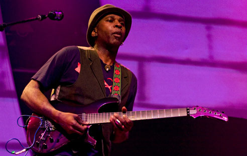Vernon Reid uses SoftStep