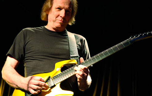 Adrian Belew uses SoftStep