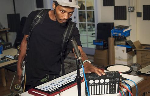 Del The Funky Homosapien uses K-Mix